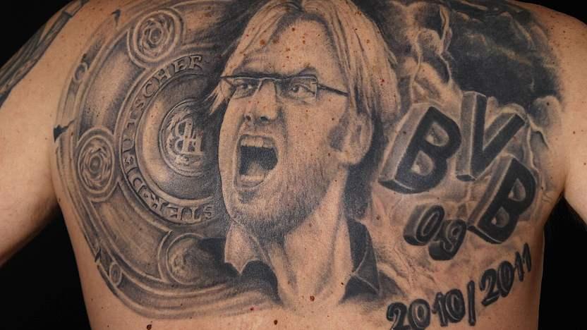 Tattoos Oberarm Oma Bierbauch Buddha Co