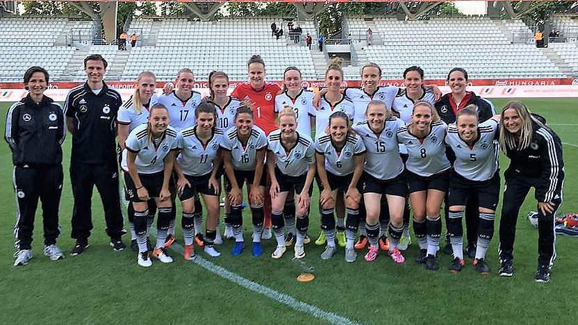 Erstmals zur Botschafterreise nach Uruguay: die deutsche Studentinnennationalmannschaft.